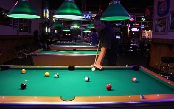 babalouies-sports-bar