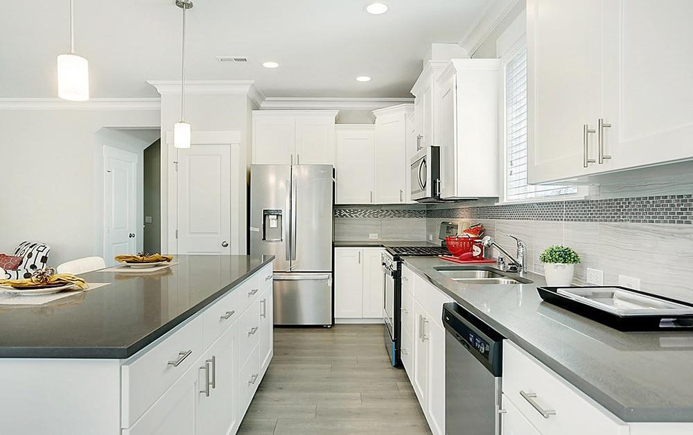 new-homes-kent-wa-saratoga-willow-model-2853-kitchen-1000x628